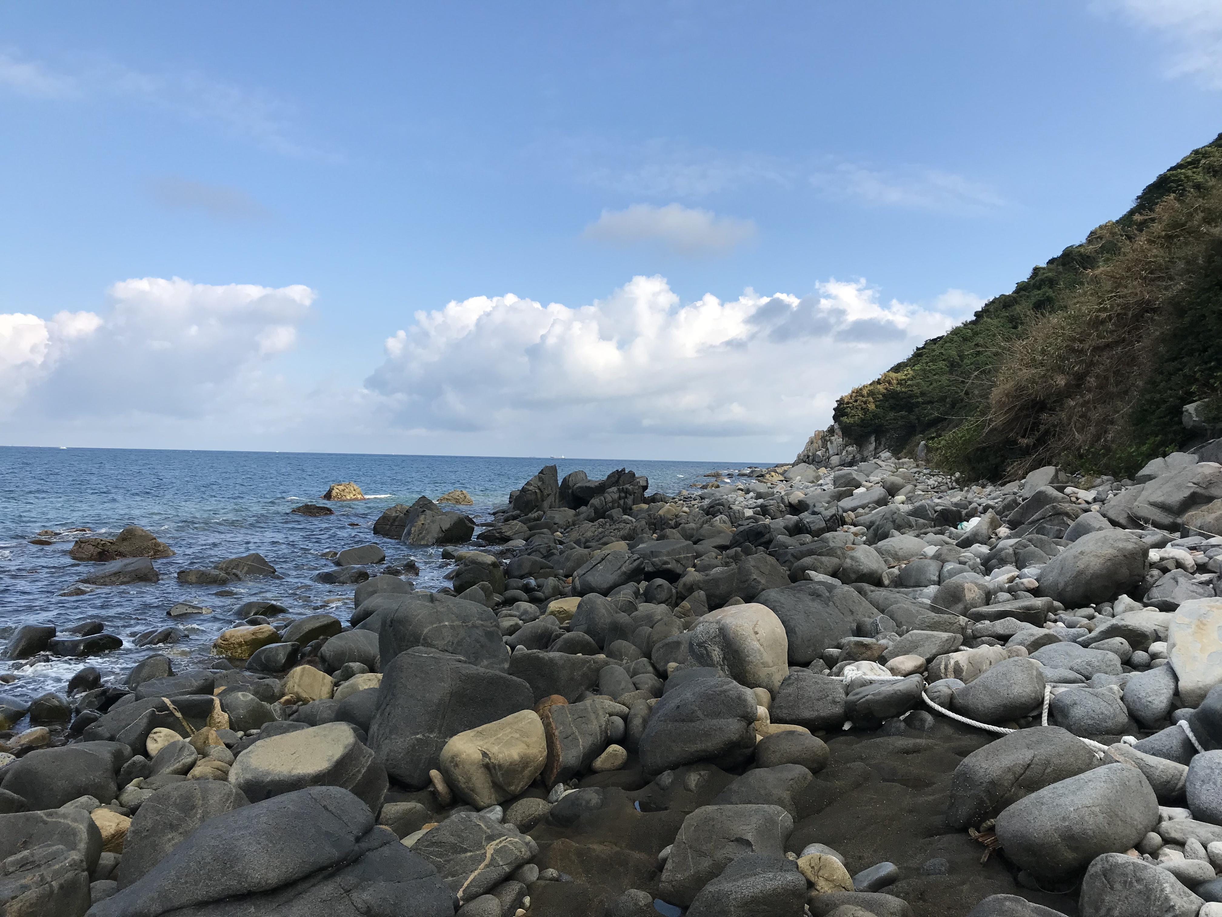 西浦漁港岩場